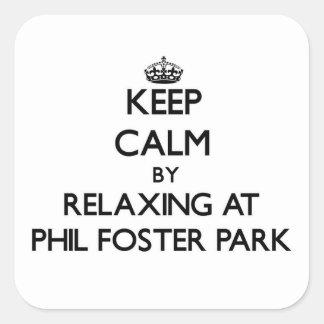 Guarde la calma relajándose en el parque adoptivo pegatina cuadrada