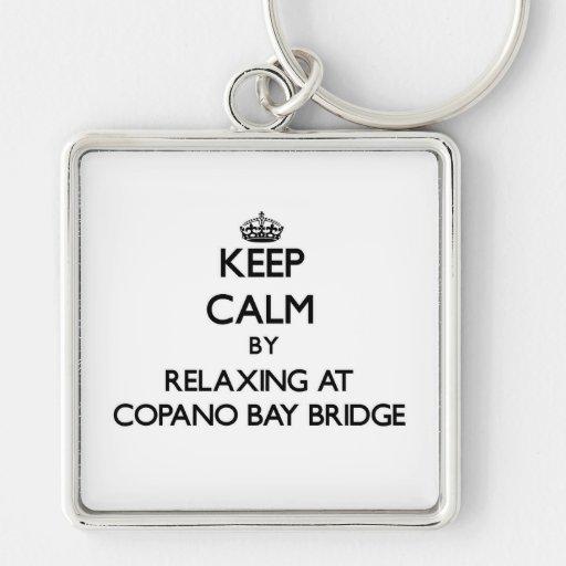 Guarde la calma relajándose en el puente Tejas de  Llaveros