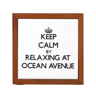 Guarde la calma relajándose en la avenida Massachu