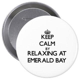Guarde la calma relajándose en la bahía esmeralda  pin