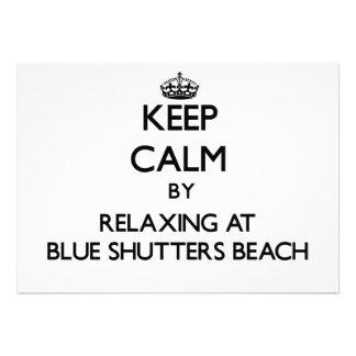 Guarde la calma relajándose en la playa azul Rhode
