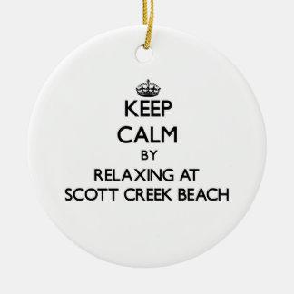 Guarde la calma relajándose en la playa Califor de Adorno Redondo De Cerámica