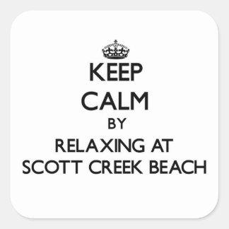 Guarde la calma relajándose en la playa Califor de Pegatina Cuadrada