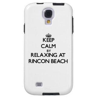 Guarde la calma relajándose en la playa California