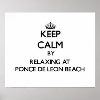 Guarde la calma relajándose en la playa Flori de P
