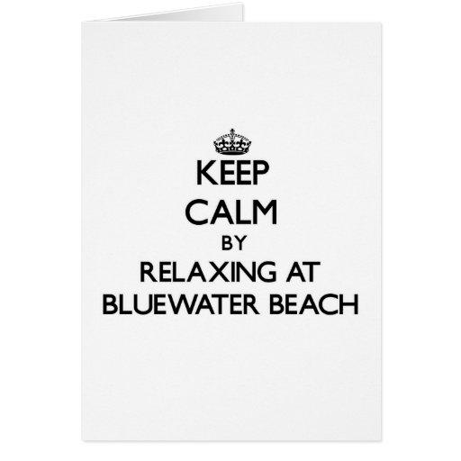 Guarde la calma relajándose en la playa la Florida Felicitaciones
