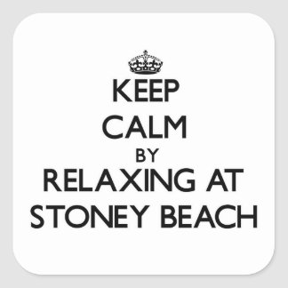 Guarde la calma relajándose en la playa pegatina cuadrada