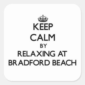 Guarde la calma relajándose en la playa Wisconsin Calcomanía Cuadradase