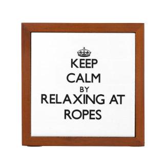 Guarde la calma relajándose en las cuerdas Massach