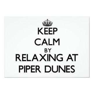 Guarde la calma relajándose en las dunas la comunicado