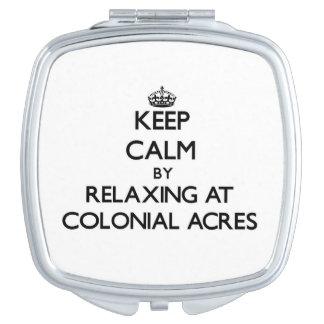 Guarde la calma relajándose en los acres coloniale espejo de viaje