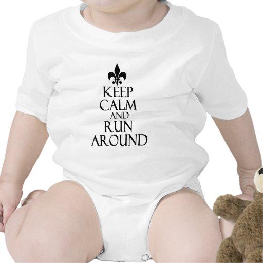 Guarde la calma traje de bebé