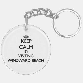 Guarde la calma visitando la playa de barlovento llavero redondo acrílico a doble cara
