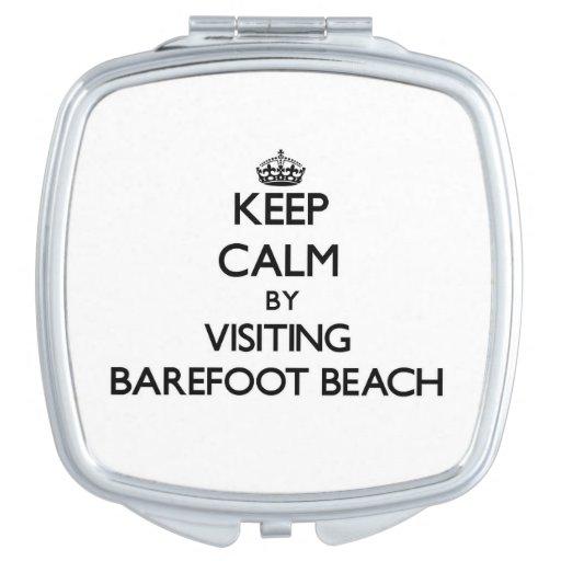 Guarde la calma visitando la playa descalza la Flo Espejos Maquillaje