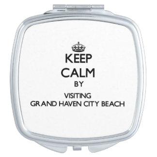 Guarde la calma visitando la playa magnífica Michi Espejos Compactos
