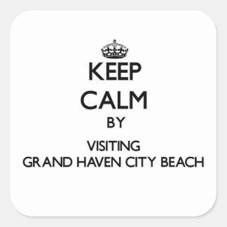 Guarde la calma visitando la playa magnífica Michi Calcomanías Cuadradass Personalizadas