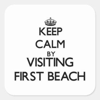 Guarde la calma visitando la primera playa Guam Pegatina Cuadrada