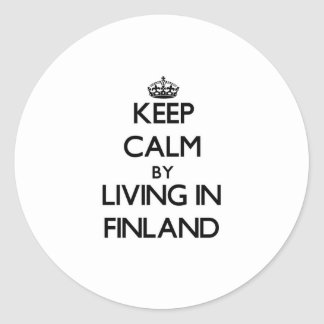 Guarde la calma viviendo en Finlandia Pegatinas Redondas