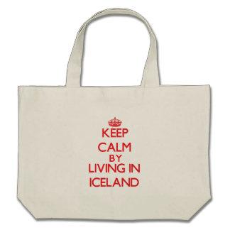 Guarde la calma viviendo en Islandia Bolsas Lienzo