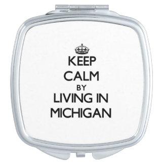Guarde la calma viviendo en Michigan Espejo Compacto