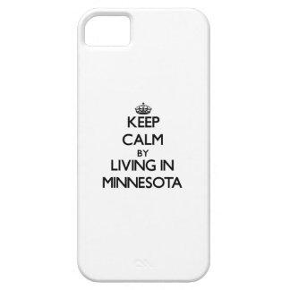 Guarde la calma viviendo en Minnesota iPhone 5 Case-Mate Coberturas