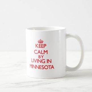 Guarde la calma viviendo en Minnesota Tazas De Café