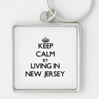 Guarde la calma viviendo en New Jersey Llavero Cuadrado Plateado