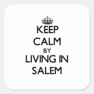Guarde la calma viviendo en Salem Pegatina Cuadrada