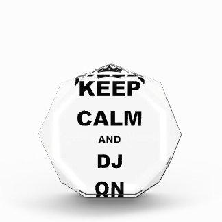 GUARDE LA CALMA Y A DJ ENCENDIDO
