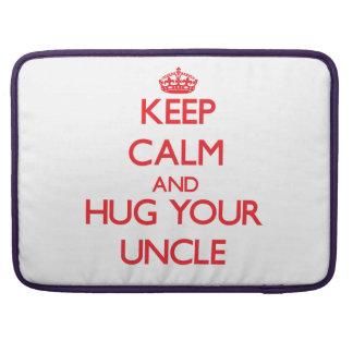 Guarde la calma y ABRACE a su tío Fundas Para Macbook Pro