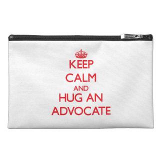 Guarde la calma y abrace a un abogado