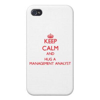Guarde la calma y abrace a un analista de la gesti iPhone 4 coberturas