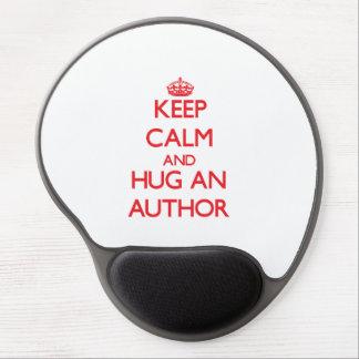 Guarde la calma y abrace a un autor alfombrillas de ratón con gel