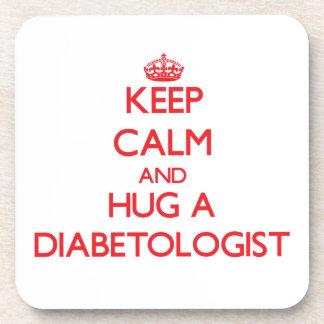 Guarde la calma y abrace a un Diabetologist Posavaso