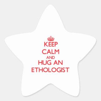 Guarde la calma y abrace a un etólogo pegatinas forma de estrellaes