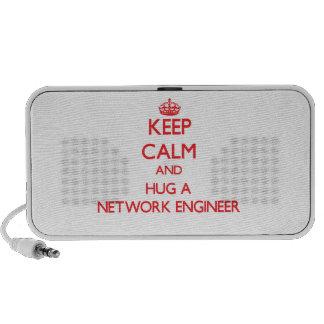 Guarde la calma y abrace a un ingeniero de la red altavoces de viaje