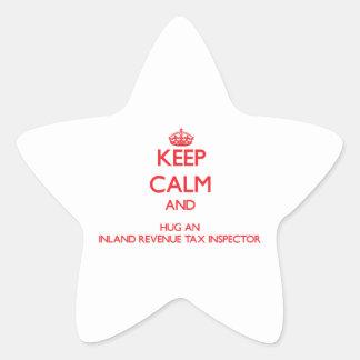 Guarde la calma y abrace a un inspector del pegatina forma de estrella