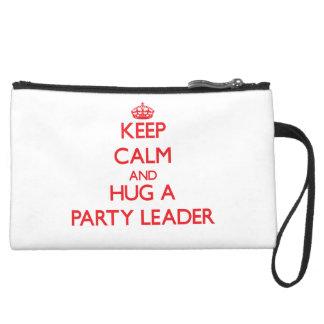 Guarde la calma y abrace a un líder de fiesta