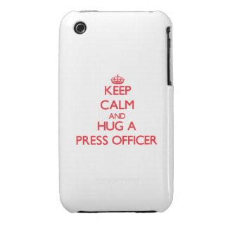 Guarde la calma y abrace a un oficial de la prensa Case-Mate iPhone 3 protectores