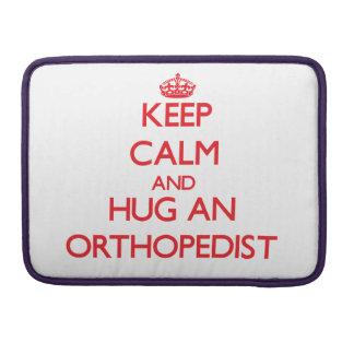 Guarde la calma y abrace a un ortopedista funda para macbook pro