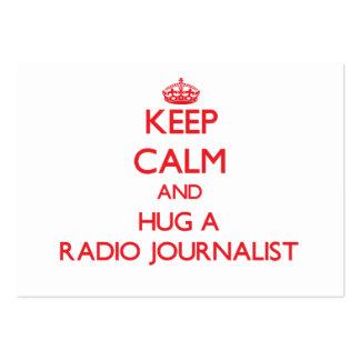 Guarde la calma y abrace a un periodista de radio plantillas de tarjetas de visita