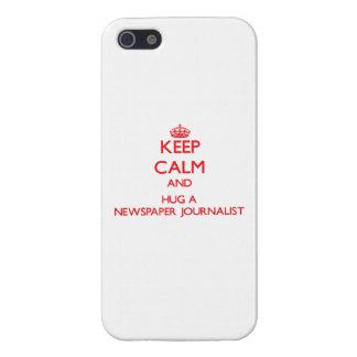 Guarde la calma y abrace a un periodista del perió iPhone 5 funda