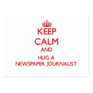 Guarde la calma y abrace a un periodista del perió plantillas de tarjetas personales