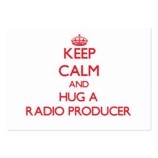 Guarde la calma y abrace a un productor de radio tarjeta de negocio