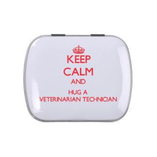 Guarde la calma y abrace a un técnico veterinario jarrones de dulces
