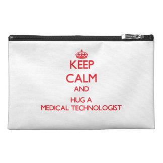 Guarde la calma y abrace a un tecnólogo médico