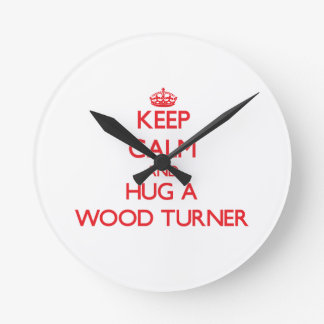 Guarde la calma y abrace a un Turner de madera Reloj Redondo Mediano