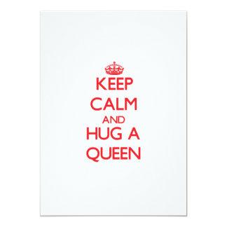 Guarde la calma y abrace a una reina invitaciones personalizada