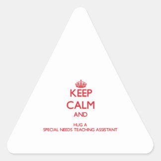 Guarde la calma y abrace las necesidades de un Spe Pegatinas Trianguladas Personalizadas