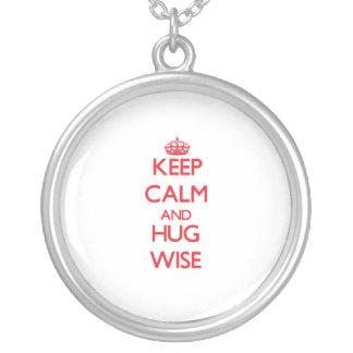 Guarde la calma y abrace sabio grímpola